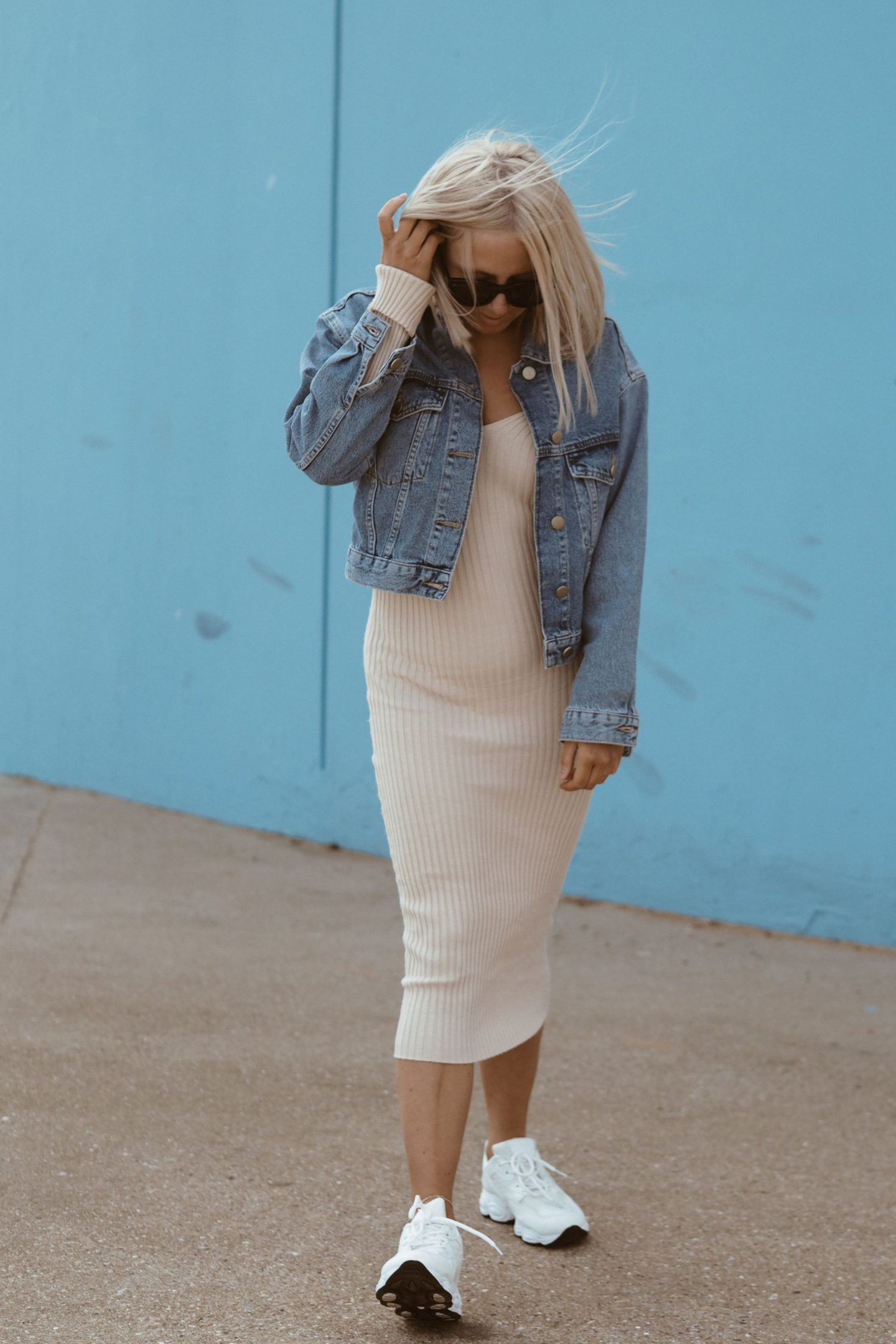 beige trainers outfit cheap online