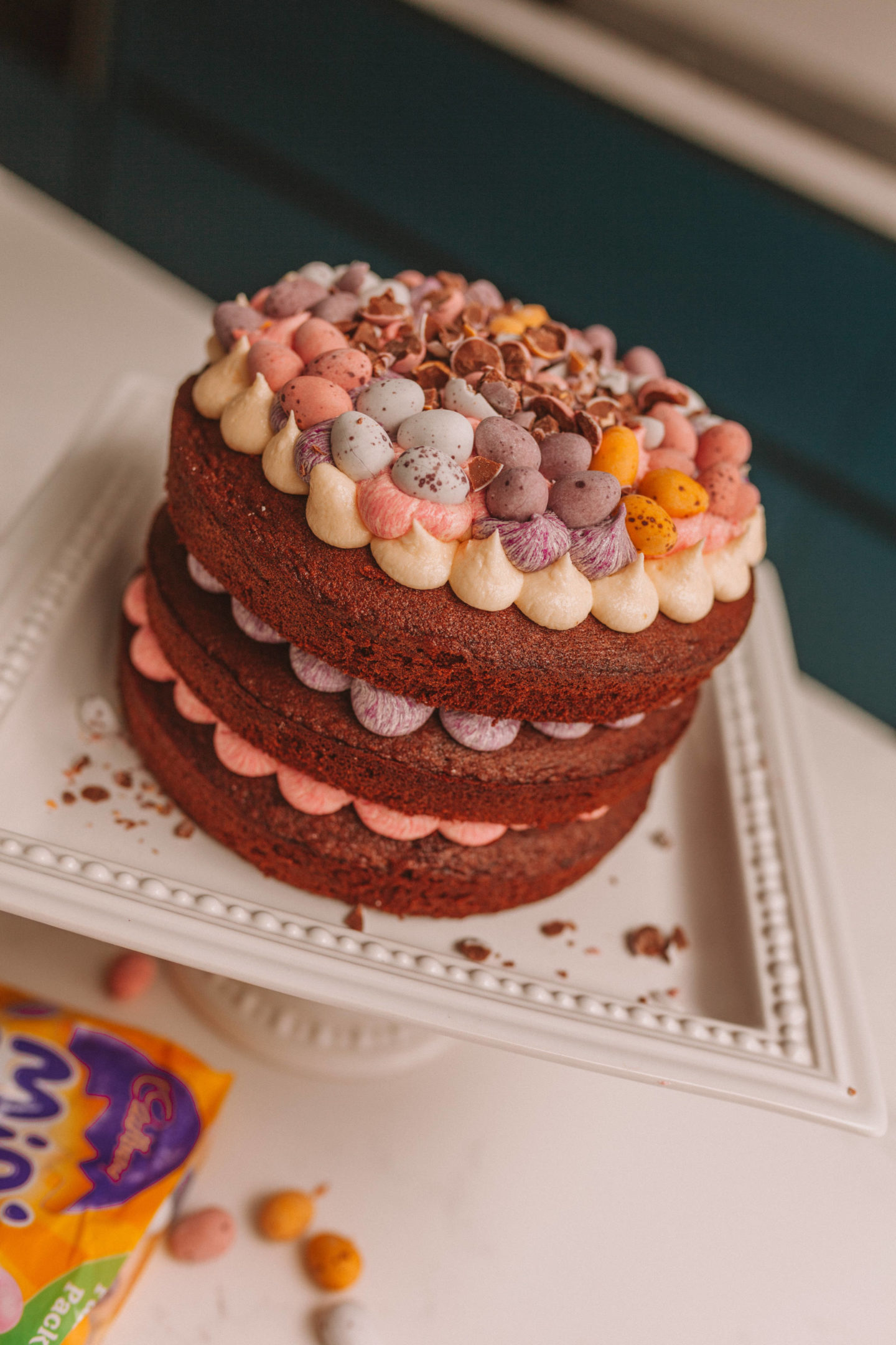 mini_egg_chocolate_cake_5