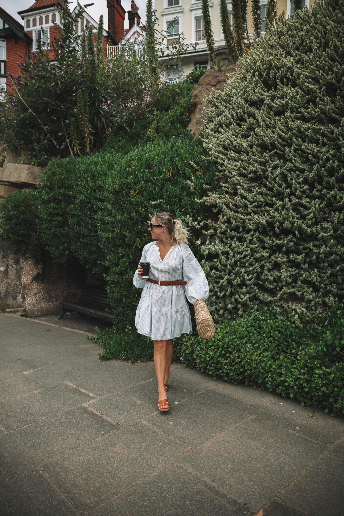 H&M-Stripe-Puff-Sleeved-Dress-02