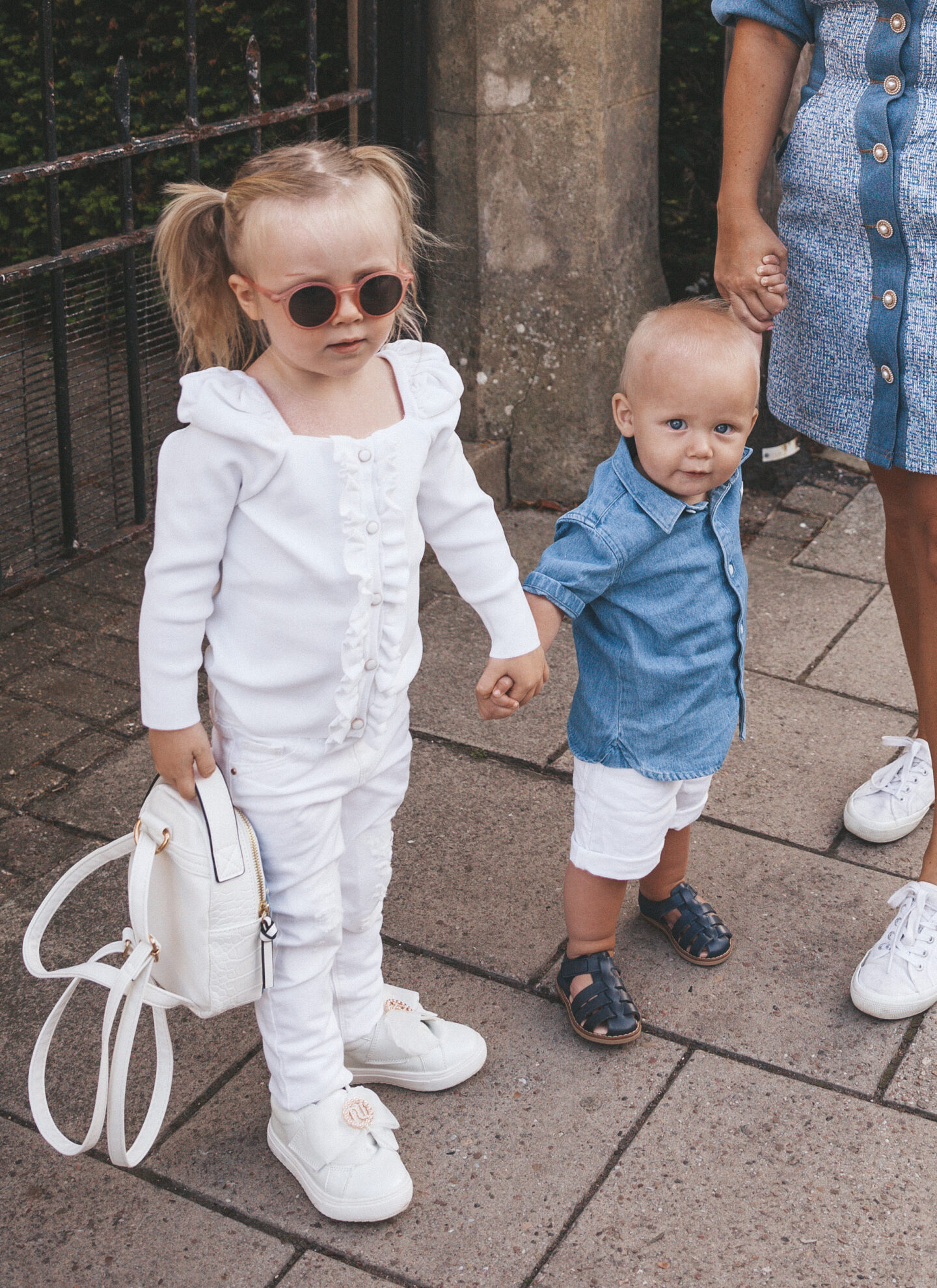 Matching-Outfits-Siblings