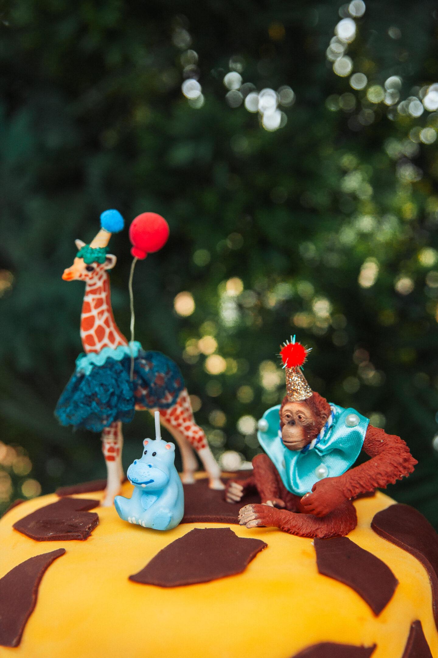 giraffe_Orangutan_Cake_Topper