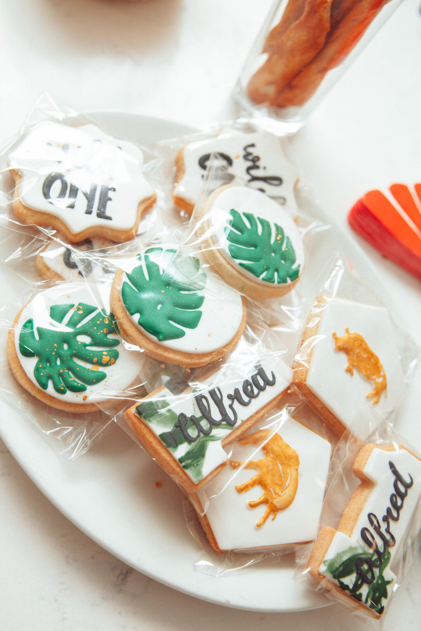 Personalised_Jungle_Biscuits