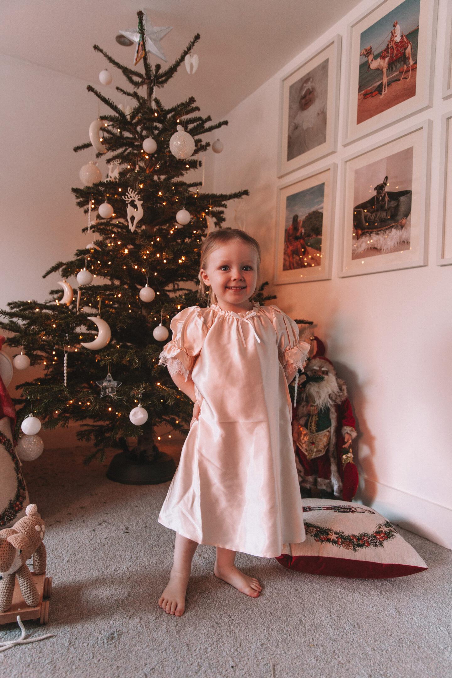 Childrensalon_AMIKI_Dar_ Ivory_Silk_Nightdress_10