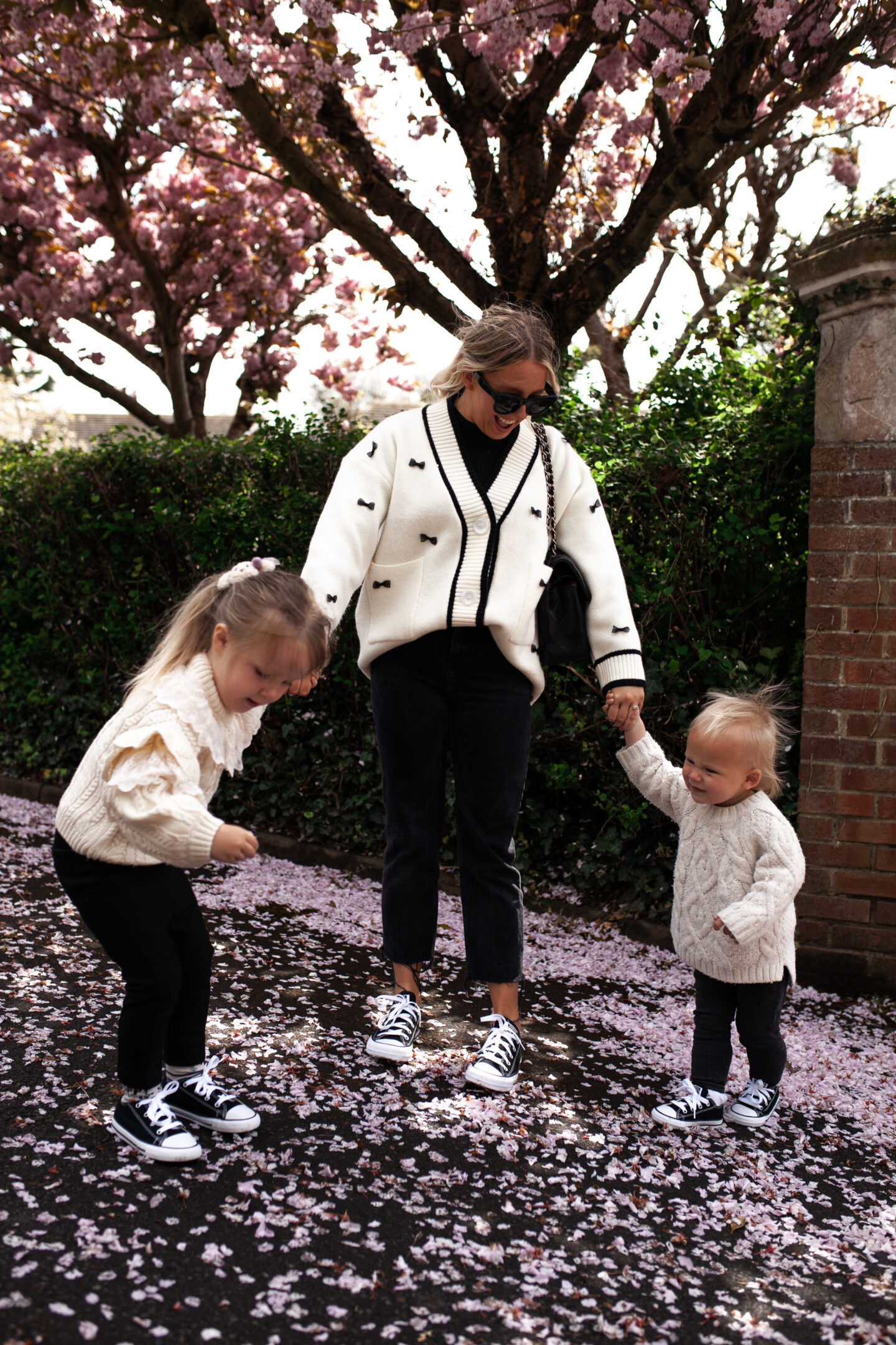 Family_Matching_Converse_04