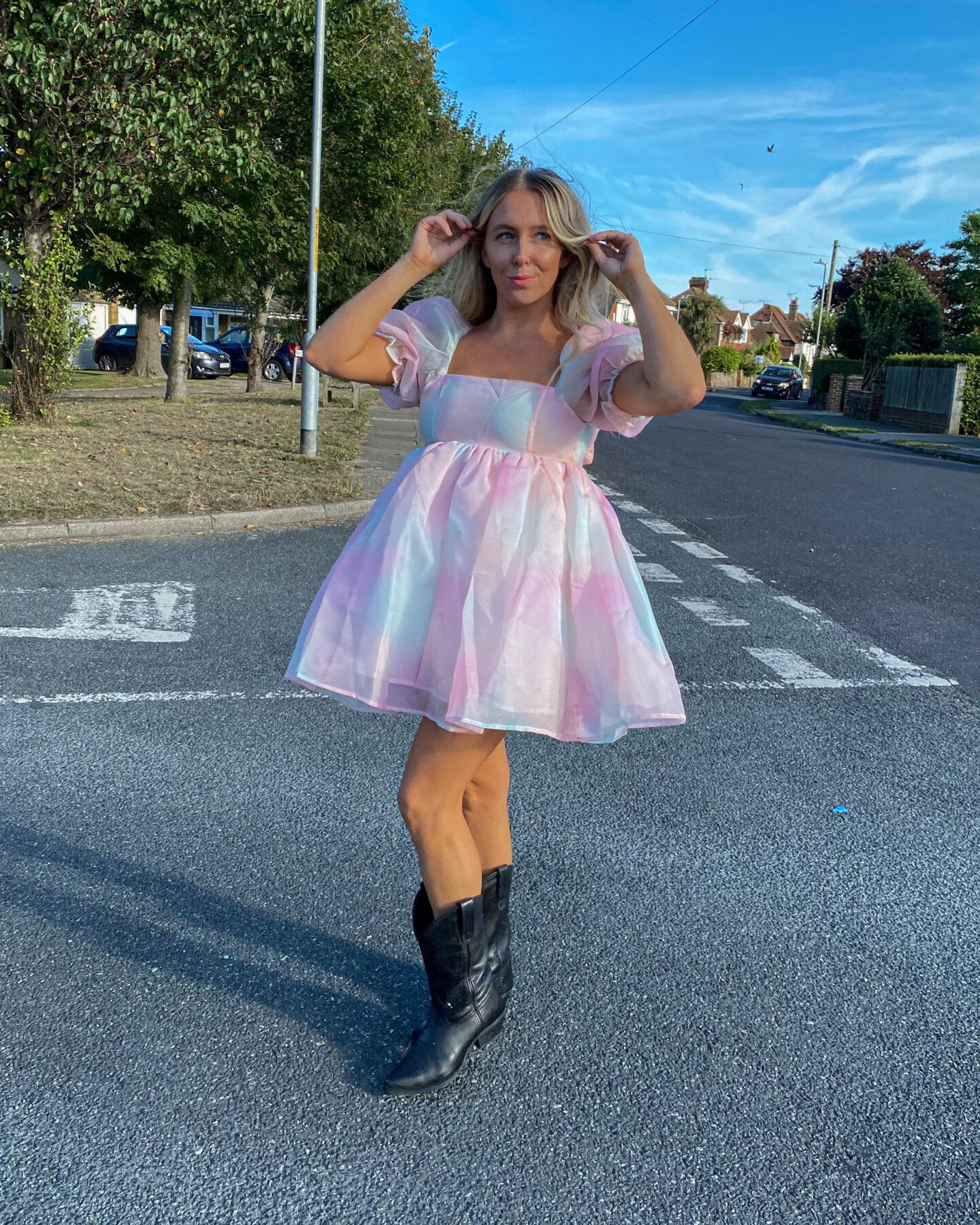 Pastel_Puff_Sleeved_Dress_02